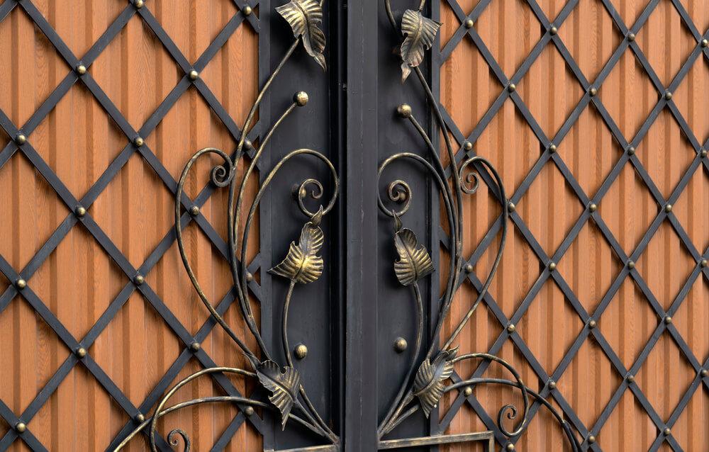 Kovaná brána s bránkou na kľúč Bratislava iBrány