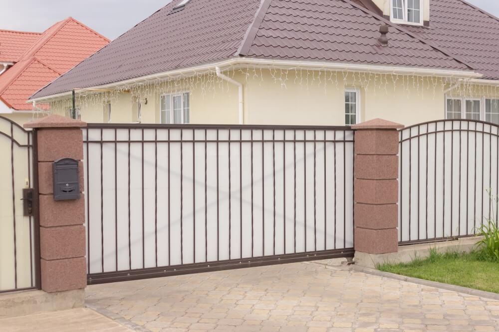 Posuvné vonkajšie brány pre rodinné domy iBrány